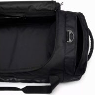 hurley-renegade-ii-solid-duffel-bag-inside